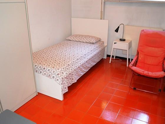 Studio meridiana zona bristol in vendita rapallo for Due piani camera da letto con due bagni